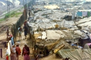 delhi-india-slums-poverty